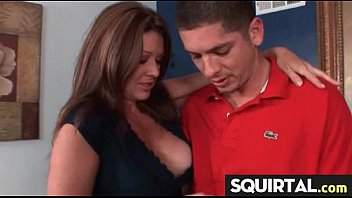 having sex squirting while Cagan por el sexo anal
