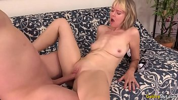 woman mature rent hires boy Son creampie haiy mom