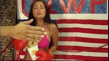 pees women drinks man Garrafa de bebida na xoxota