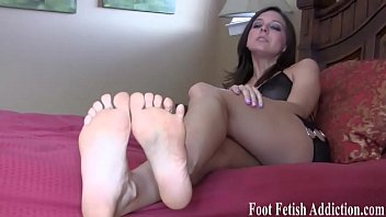 fliops flip toes Women pissing and squirting videos live