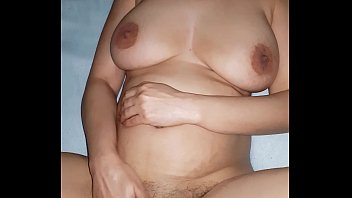 frau befriedigt wird At hotel pounding missy pussy doggystyle on hidden cell phone cam