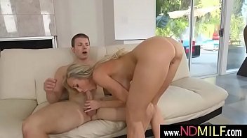smile brandy tigger b vs Amanda spreads out for some couch funclip1