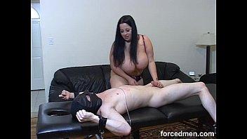 slave feet dominatio mistresse Wife dare strip outdoors