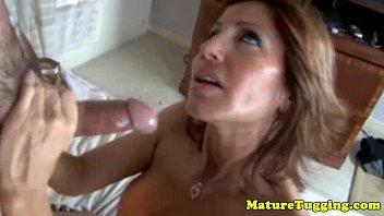tits young big mature boy Travestis com mulher