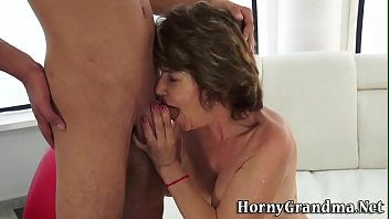 2854 nmorma granny Threesome licking cum off her feet
