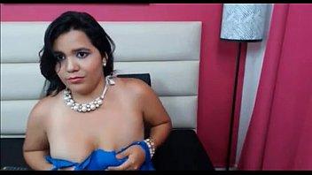 una a tetona colombiana gordita cogiendome Tiny thai takes big white dick