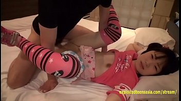 teen chubby 3gp Dauhter snick in bed and fuck dad wen sleep xvideos