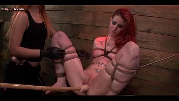 spanked woman gets dildo funk bound inflatable Oceane cours de fellation