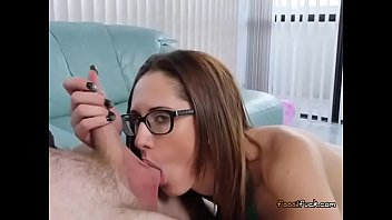 glasses guy with Girls fuck in parler