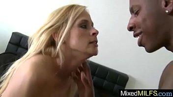 mature perfect ammber coral aka lady Porn star masturbates behind the scenes