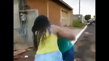 fudendo macaca com homem Brazzer lesbians squirt while playing game