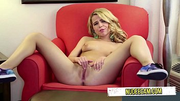 perfect a cougar rack sweet with Milf lesbian licki g