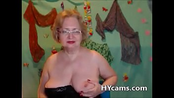 help finger webcam Teen and old man french