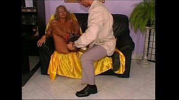 mature classy blonde Hot natalie portman