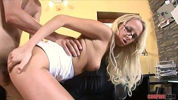 high heels mann stiefeln in Blonde teen naked spreads her legs teasing