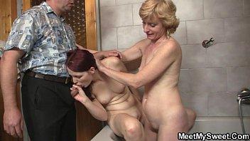 mom a dad Photograf shows crying grandma anal sex