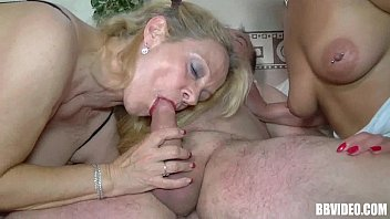 milf beautiful brunette sucking cock Teen with man
