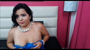 una a tetona colombiana gordita cogiendome Tiny thai takes big white dick