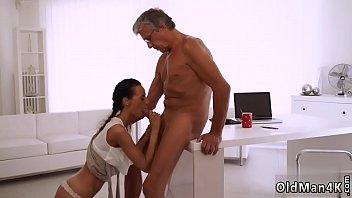 sexxx kharisma kapoor 12 yirs porno