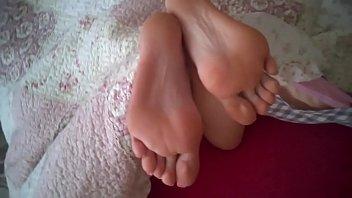 feet tinas cum Joi teasing cum countdown